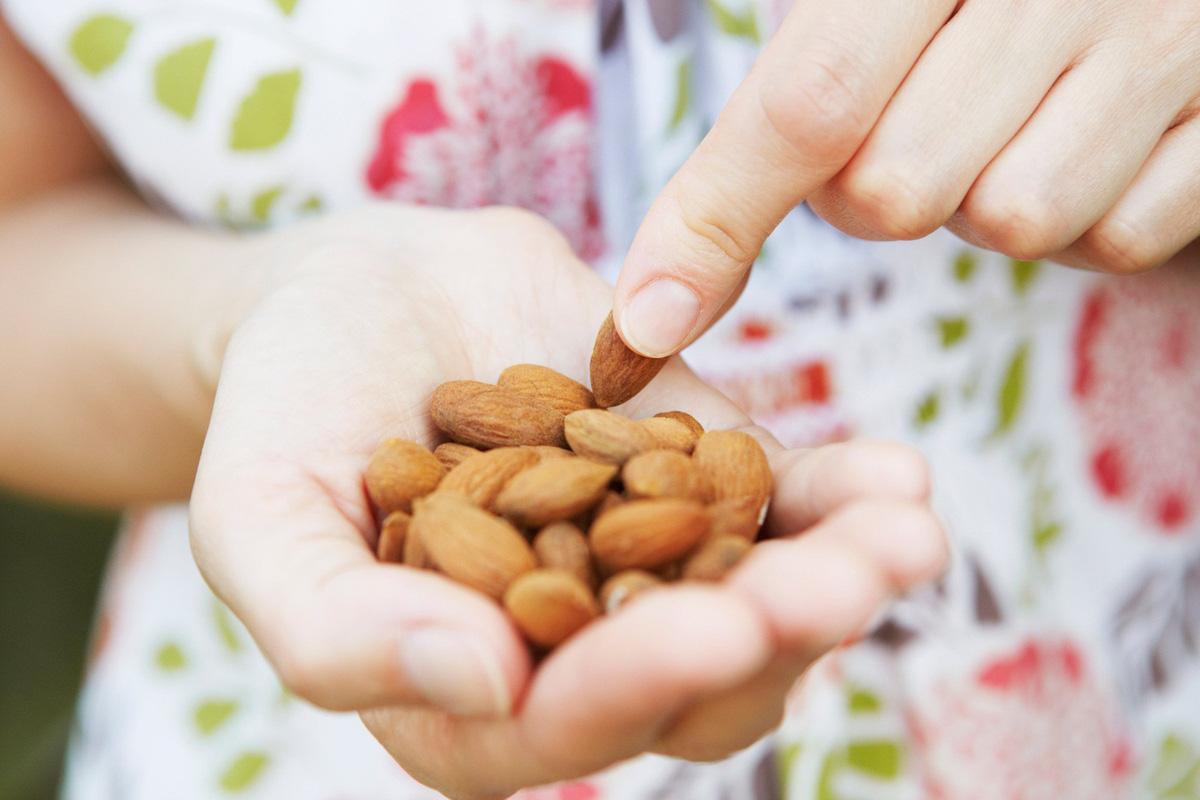 Ăn hạt hạnh nhân mỗi ngày rất tốt cho sức khỏe